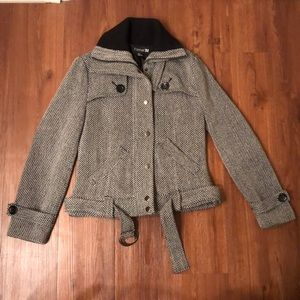 Forever 21 black and white coat size M